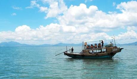 【苍南】仅需850元,即可享受原价1000元的苍南渔寮出海捕鱼休闲体验游一次(3小时)!两网捕捞,鱼虾蟹免费带走,人数控制12人以内。<br /> <div> <br /> </div>